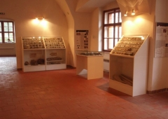 Pohled do expozice geologie a mineralogie